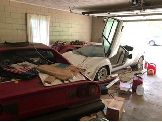 Девушка нашла у бабули в гараже редкий Lamborghini, пылившийся там лет двадцать (фото прилагаются)