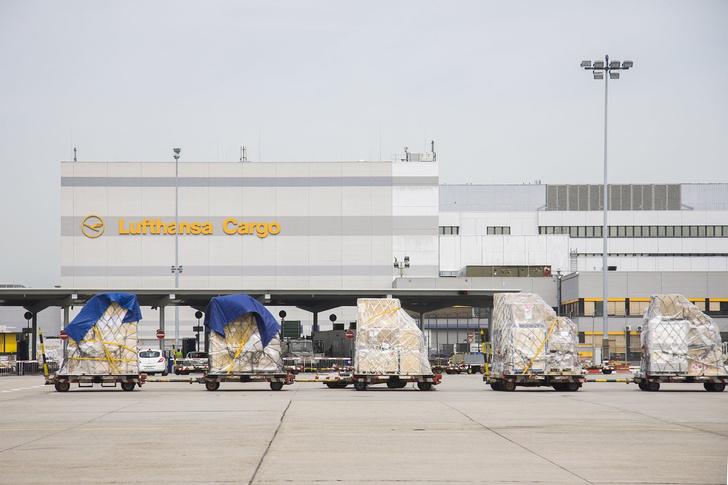 Фото №2 - Затерянный в терминале. Что можно увидеть, заблудившись в крупнейшем аэропорту Европы