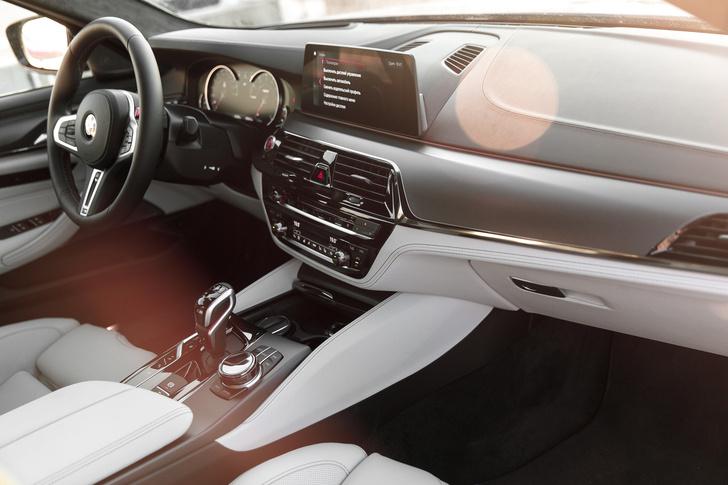 Фото №6 - Тест BMW M5, машины по превращению резины в дым