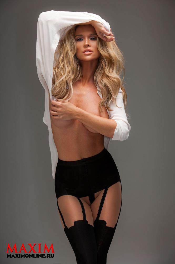 Американская модель Джоанна Крупа снялась для украинского номера журнала Maxim