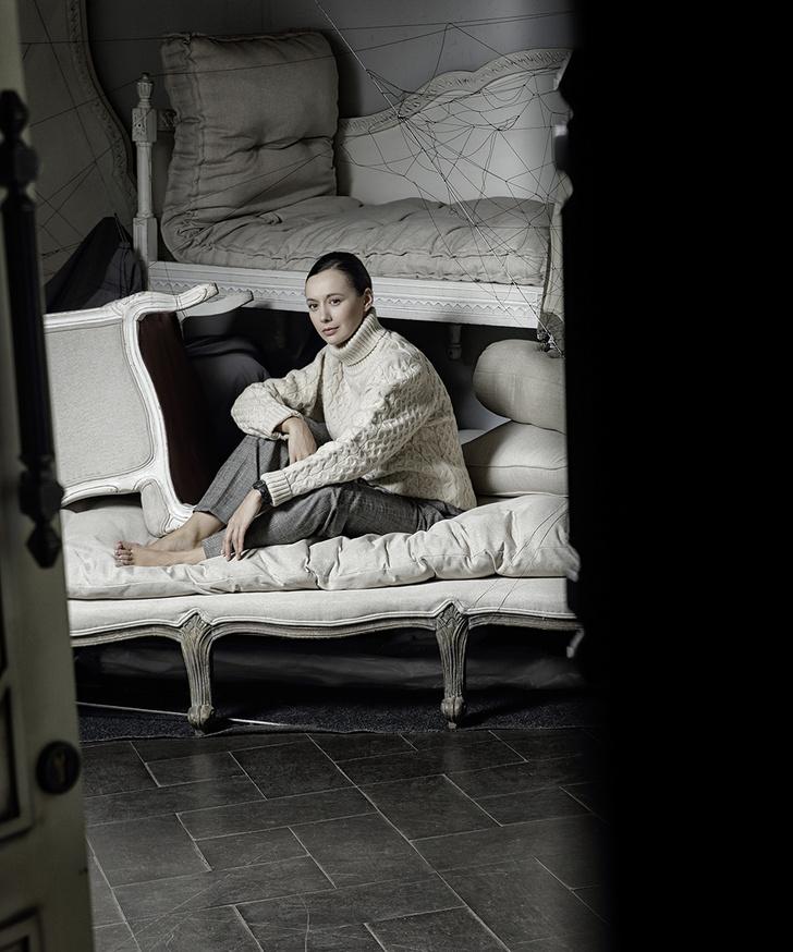 Фото №7 - Актеры оперы «Пиковая дама» примерили самые модные вещи сезона. Может, они и тебе подойдут?