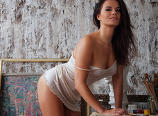 Актриса Ирина Ануфриева: «У меня очень строгая мама, и, когда я ехала к вам на съемки, меня поддержали все, кроме нее»