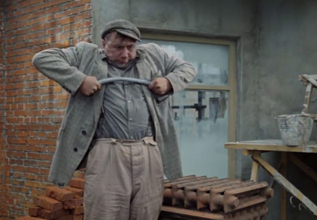 Фото №1 - Современные мужчины слабее своих отцов!