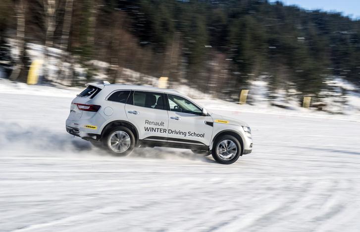 Фото №8 - Нефигурное катание: боком по льду на полноприводных Renault