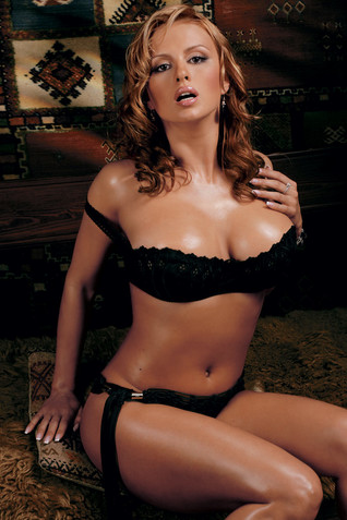 Порно фото анны сименович в журнали макси