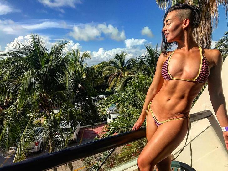 Фото №1 - Узри! Та самая ведущая той самой онлайн-викторины «Клевер» Натали Веда!