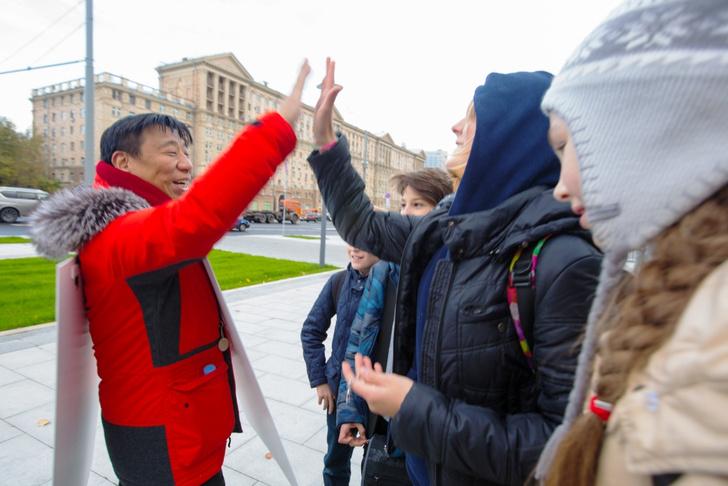 Фото №1 - Три шага к миру: Лаки Ли запустил программу по примирению сверхдержав