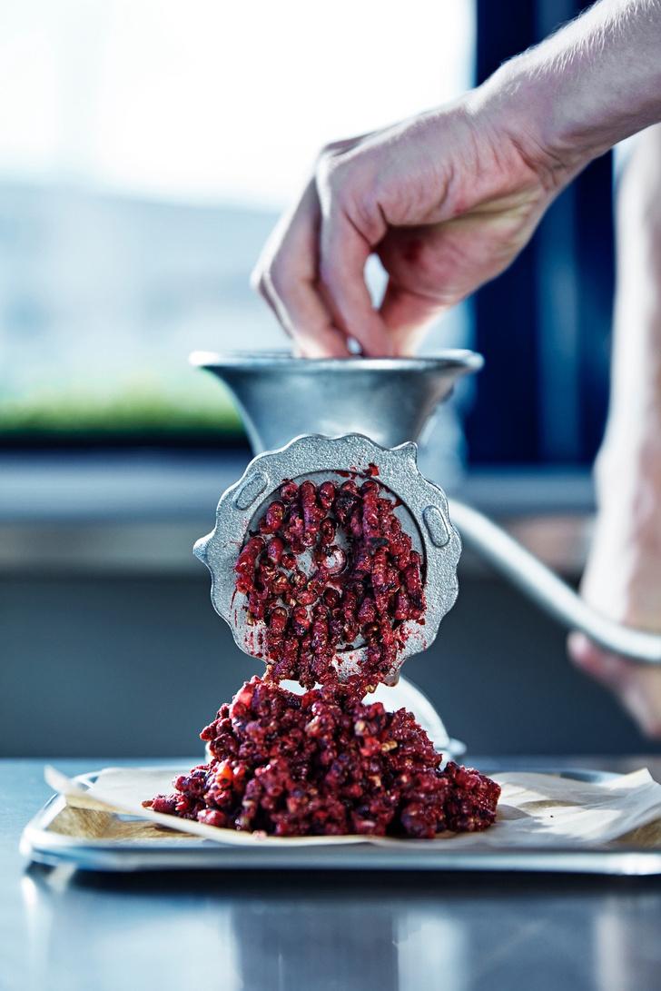 Фото №2 - В меню столовой IKEA могут появиться тефтели из жуков
