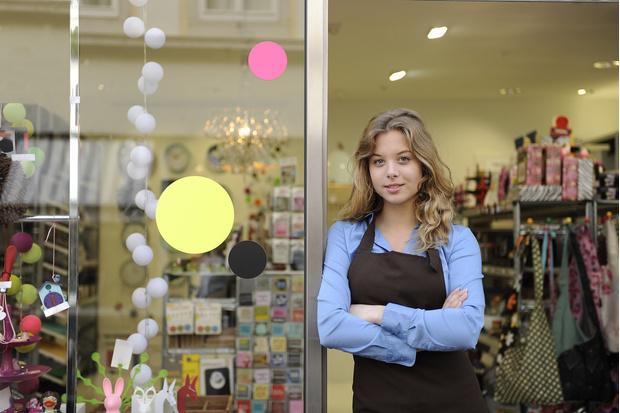 Фото №1 - Как познакомиться с девушкой-продавцом