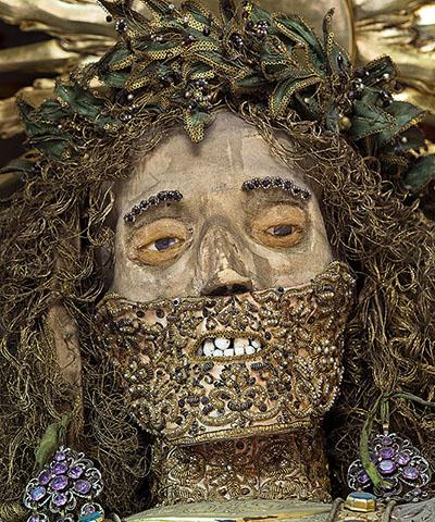 Фото №3 - Жертвы требуют красоты! Прекрасная в своей дикости коллекция нарядных скелетов