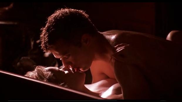 Фото №4 - 13 самых сексуальных сцен из фильмов!