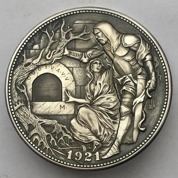Фото №1 - Ремесленник делает уникальные механические монеты