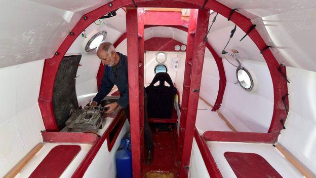Фото №2 - 71-летний француз переплывет Атлантический океан в бочке