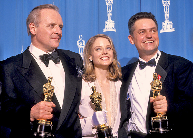 30 марта 1992 года, Энтони Хопкинс, Джоди Фостер и Джонатан Демми получают статуэтки