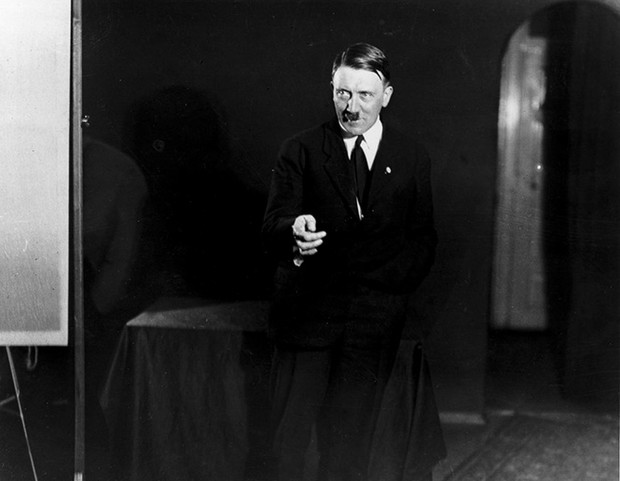 Фото №2 - Фотографии, которых стыдился Гитлер