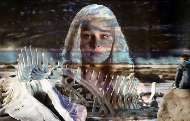 Фото №1 - «Оскаровская» киноакадемия позвала к себе Эмилию Кларк и четырех русских!