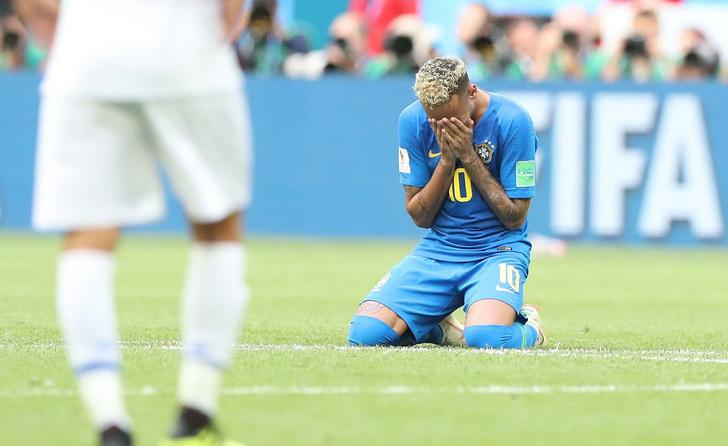 Фото №1 - Почему бразилец Неймар рыдает? Проверьте его у врача!
