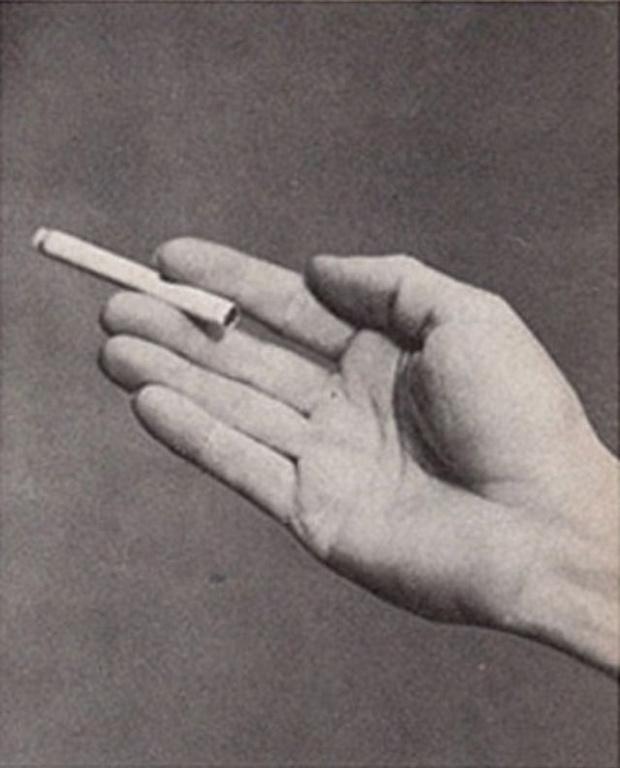 Фото №10 - Определить характер человека по тому, как он держит сигарету (ретротест в картинках)