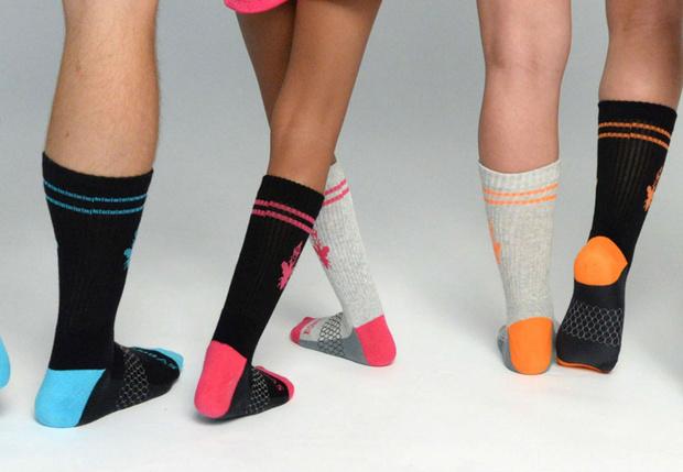 Фото №1 - Пять способов использовать носок, если второй потерялся