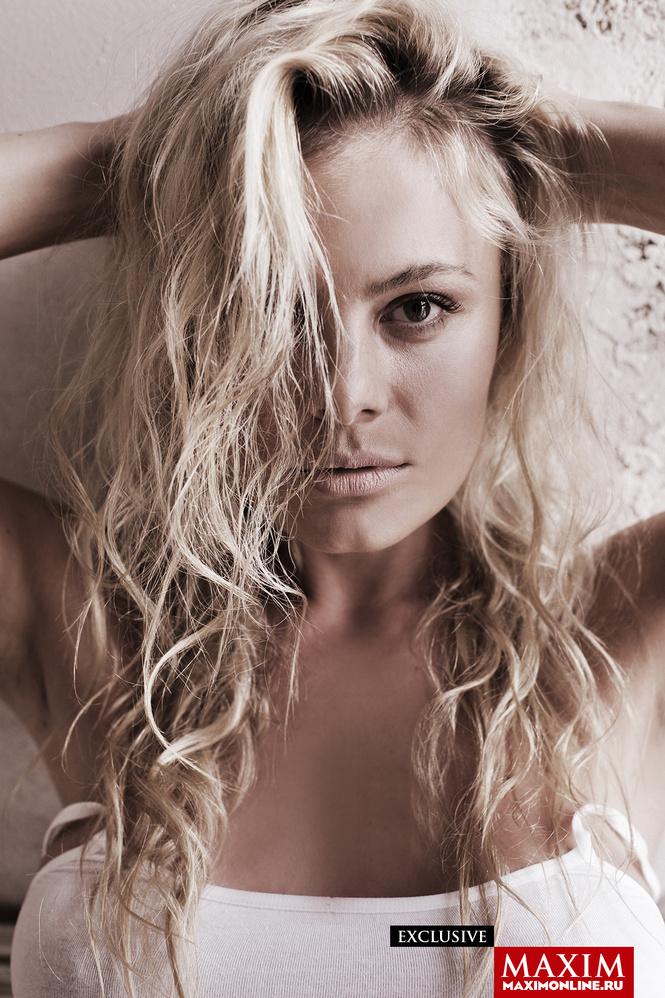 8 эксклюзивных фотографий актрисы Натальи Дворецкой — только для читателей сайта MAXIM