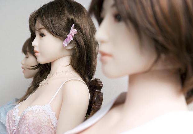 Фото №1 - Завораживающее видео производства секс-кукол