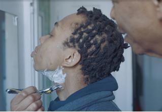 Компания Gillette показала рекламу про бреющегося темнокожего подростка-трансгендера (видео)