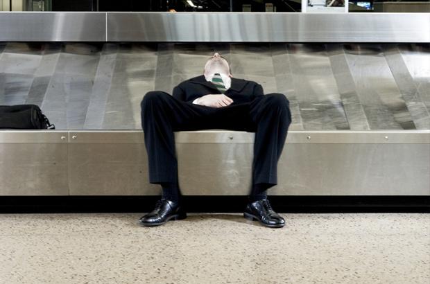 Фото №2 - 7 советов, как спать в аэропорту