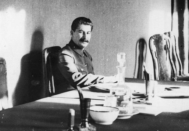 Сталин в рабочем кабинете