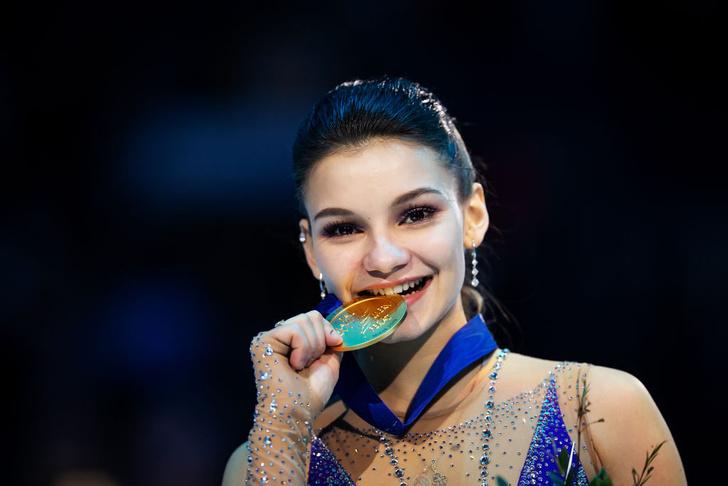 Фото №3 - Сенсация чемпионата Европы по фигурному катанию Софья Самодурова! Она победила саму Алину Загитову
