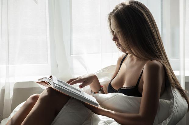 Фото №1 - Как улучшить сексуальную жизнь чтением