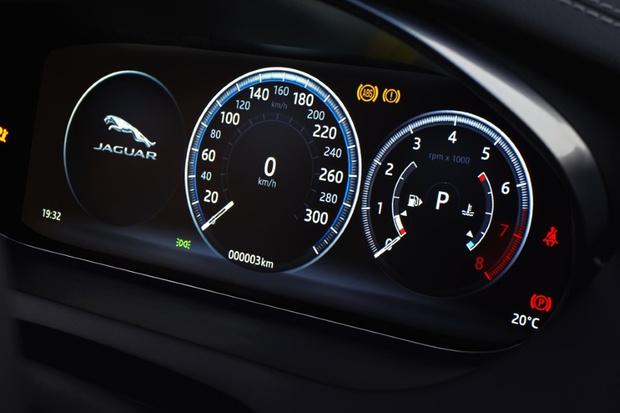 Фото №4 - Шесть личностей в одном Jaguar E-PACE
