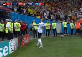 Немцы были в секундах от вселенского позора. Но Германия спаслась!