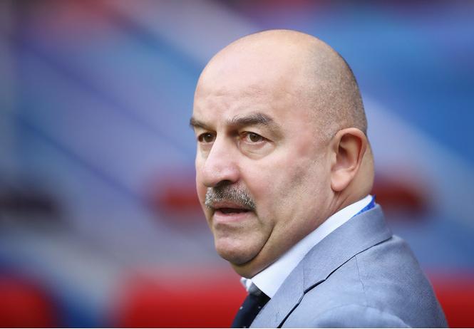 «Уйди, Черчесов, ты профнепригоден!» — Атака на главного тренера сборной России