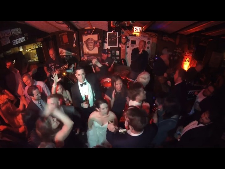Фото №1 - В бостонском баре найден самый неритмичный человек в мире (ВИДЕО)
