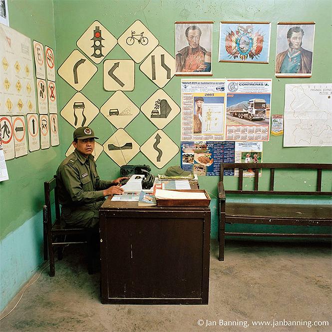Фото №10 - Как выглядят кабинеты чиновников и служащих в разных странах
