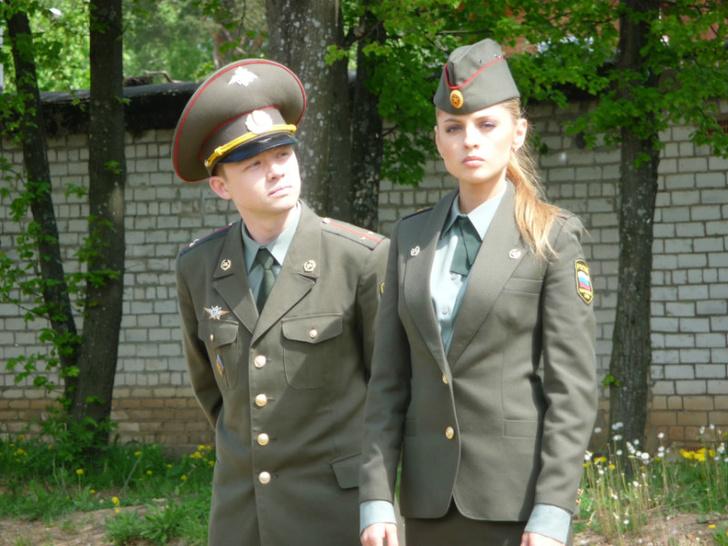Фото №1 - Упс! В «Инстаграме» Министерства обороны появилось фото с обнаженной девушкой!