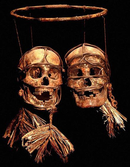 Фото №1 - Фоторепортаж с Борнео — острова, где гостиные украшают черепами врагов