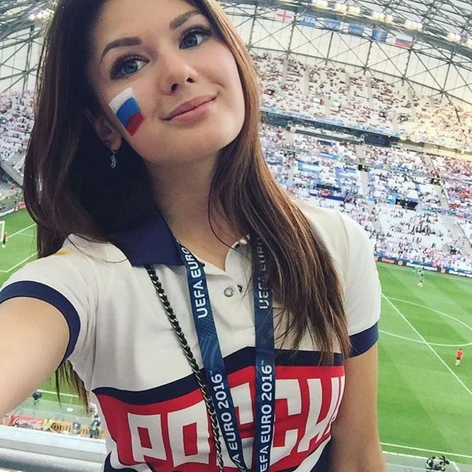 Самые прекрасные русские болельщицы во Франции