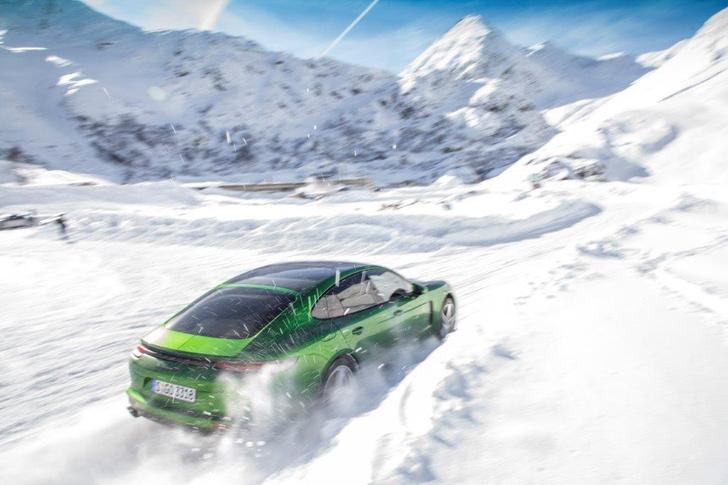 Фото №2 - Porsche Panamera GTS: в спортивной форме