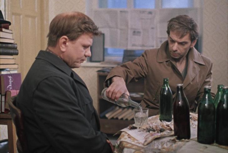 Фото №1 - Названы вредные привычки русских мужчин, которые больше всего раздражают русских женщин