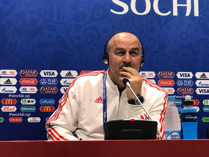 Фото №1 - Станислав Черчесов: «В моем возрасте мечтать уже нельзя. Но есть цель — победить Хорватию»