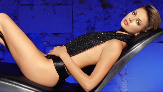 Фото №5 - Шарлиз Терон, Юлия Ефимова и другие самые сексуальные девушки этой недели!