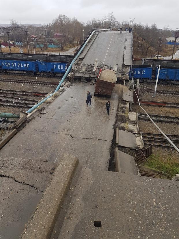 Фото №2 - Обрушение моста на поезд в Амурской области (видео)