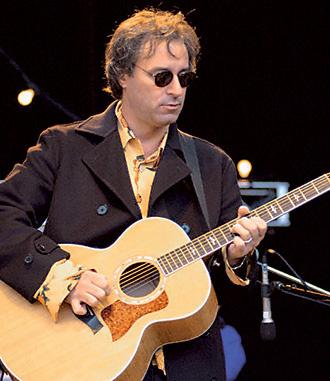 Знаменитые лунатики Питер Бак, гитарист R.E.M.