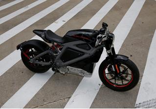 Harley-Davidson готовит к выпуску электрочопперы, и они будут беззвучными