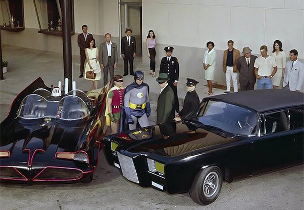 Фото №1 - Брюс Ли встречает Бэтмена образца 1966 года (фото и видео)