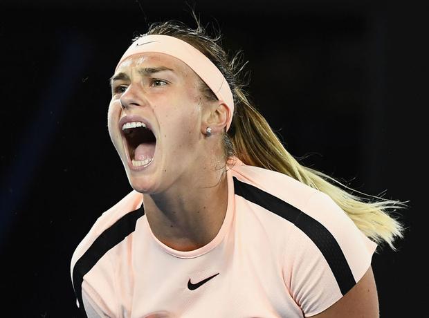 Фото №1 - Теннисистка слишком страстно стонала во время матча — и вот как на это отреагировали болельщики (слишком страстное ВИДЕО)