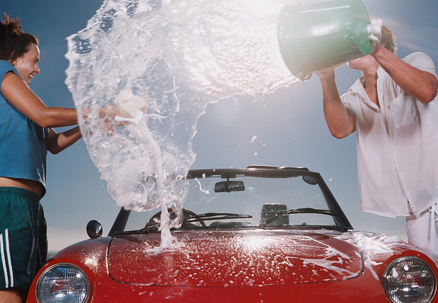 Фото №1 - Как помыть машину