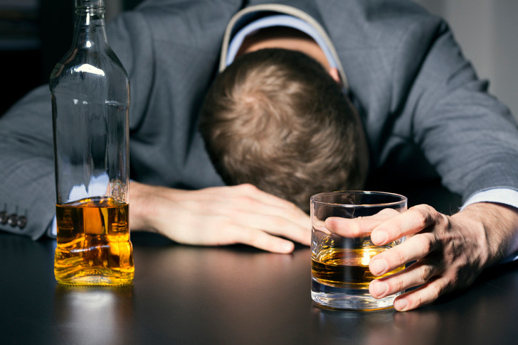 Фото №1 - Работа мечты: американская полиция ищет добровольцев, которые будут напиваться и проходить проверку на алкоголь