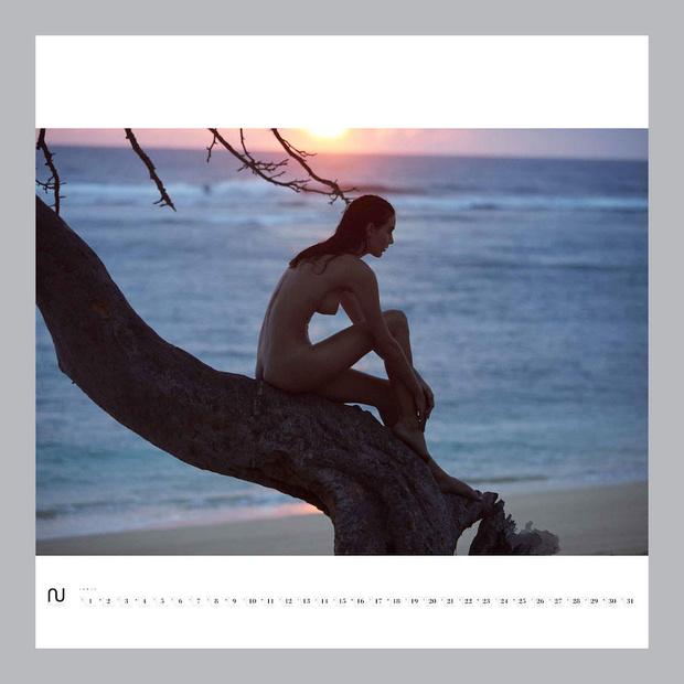 Фото №3 - Первые долгожданные кадры из эротического календаря Nu Muses!